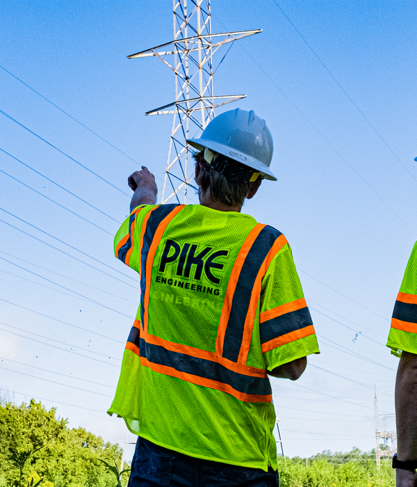 Pike engineers working on distribution and transmission lines